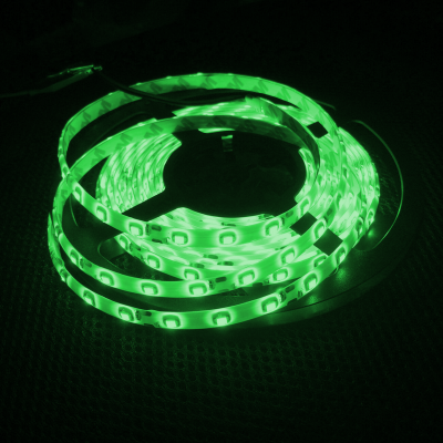 TAŚMA 300 LED / wodoodporna / ROLKA 5 m / ZIELONY